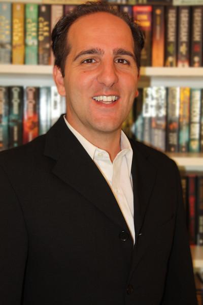 Thriller Author Phil Philips Profile shot