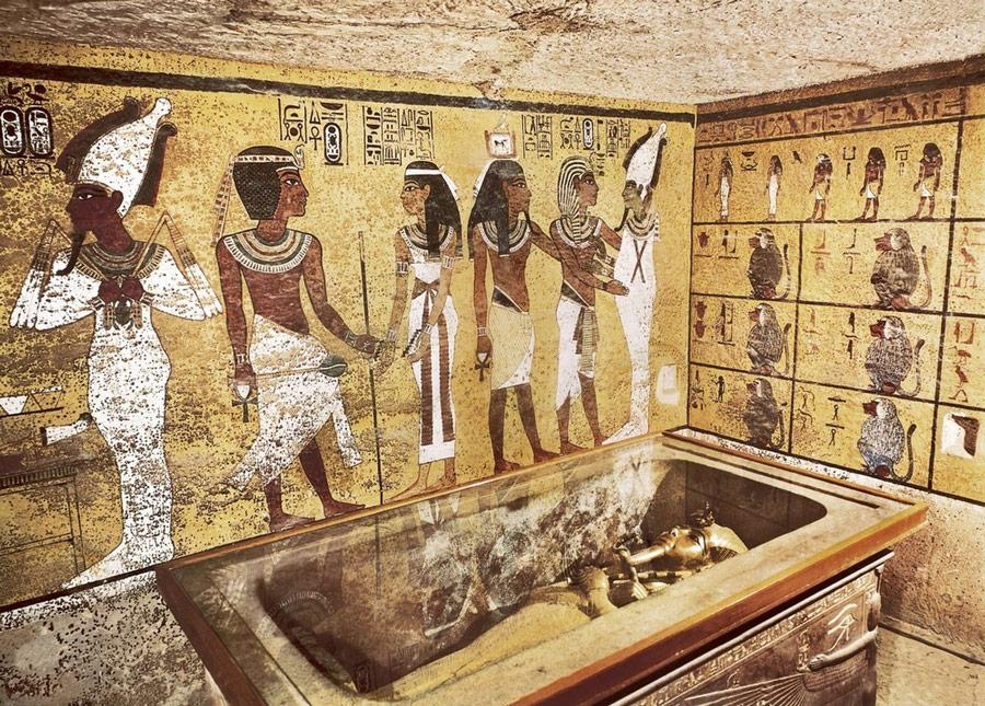 Egyptian Queen Nefertiti Still Missing: King Tut's Tomb Shows No